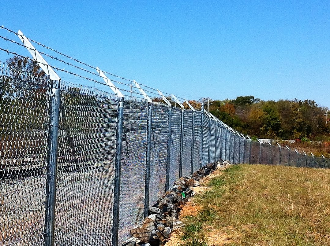 Chain Link Fencing - Commercial Fences