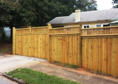 Hidden Gate – English Box Lattice Topped Privacy Fence