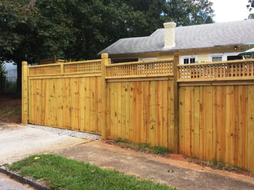 Hidden Gate – English Box Lattice Topped Privacy Fence
